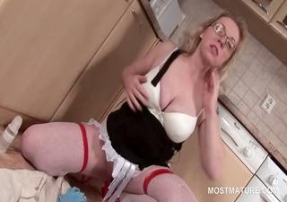 Orgasm craving mature blonde sucking a vibrator